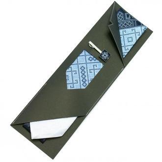 Набор: вышитый галстук + зажим с вышивкой