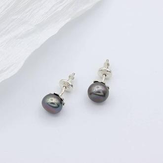 Серебряные серьги пусеты с черным жемчугом