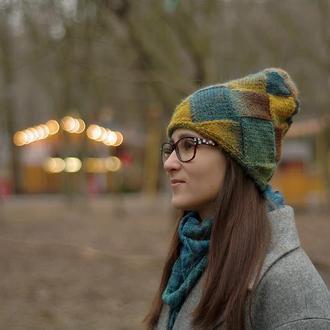 Женская цветная шапка сине-зелено-горчичная