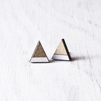 Серьги гвоздики деревянные в золотой патине, Сережки треугольники