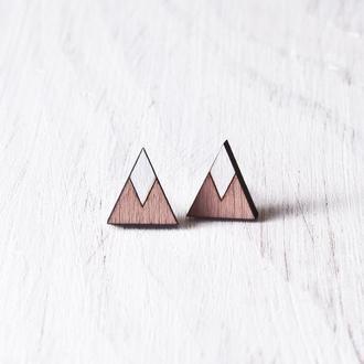 Пыльно розовые сережки треугольники, серьги гвоздики