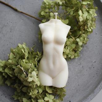 Соевая свеча в форме тела  женский торс