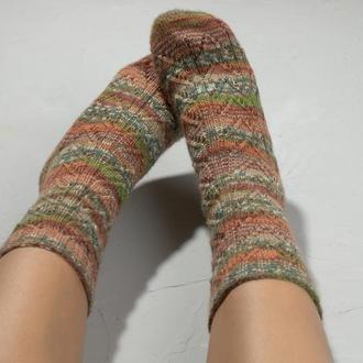 Коричнево-помаранчеві в'язані шкарпетки з ажурним візерунком