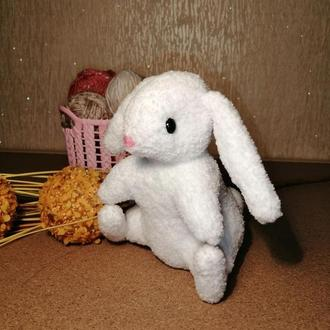 Мягкий зайчёнок. Вязаный заяц. Мягкая игрушка. Вязаный зая. Для новорожденного. Игрушка для сна.