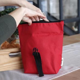 Маленькая красная сумка косметичка