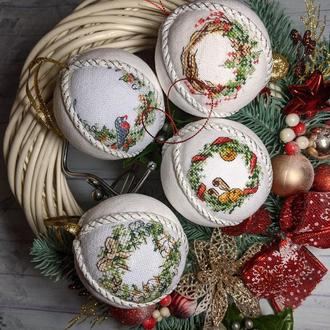 Новогодние игрушки на ёлку, новогодний декор