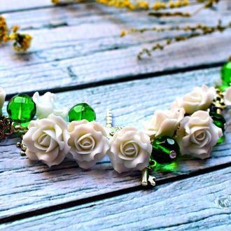 """Браслет """" нежные розы """" ,белые розы из полимерной глины"""