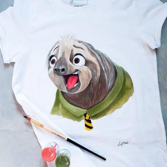 Белая футболка с рисунком