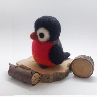 Снегирь валяный Снегирь войлочный Птичка валяная Декор на стол Новогодний декор Авторская игрушка