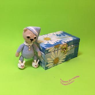 Мишка в кроватке (голубой)