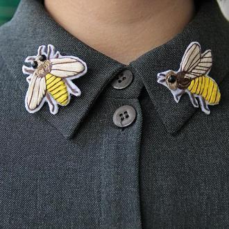 """Брошь """"Пчёлки"""" / значки / вышивка"""