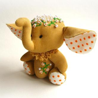 Слоник с вышивкой бисером