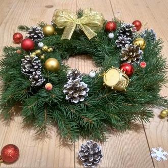 Рождественский веночек с жевой ёлки