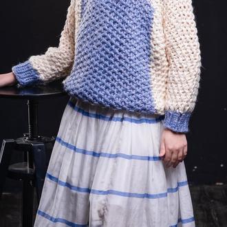Красивый, тёплый, молочно-голубой свитер для девочки. Ручная вязка.