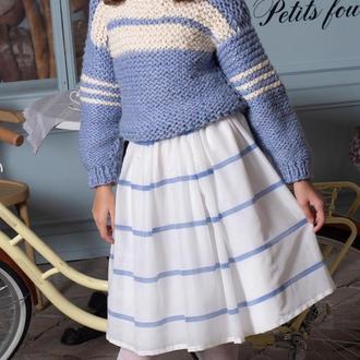 Красивый, тёплый, голубой свитер для девочки. Ручная вязка.