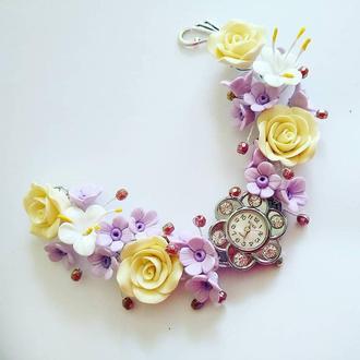 Часы с цветочным браслетом