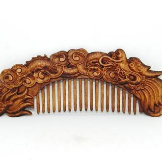 """Деревянная расчёска для волос """"Дракон_3""""."""