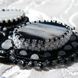 Ожерелье Черно-белое кино
