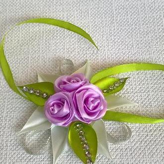 Украшение на руку. Цветочный браслет для подружки невесты.