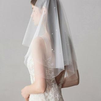Свадебная фата, двуслойна с жемчужинками.