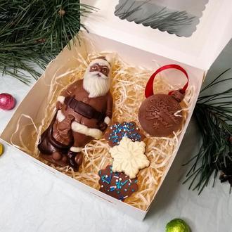 Новогодний набор из шоколадных изделий ручной работы