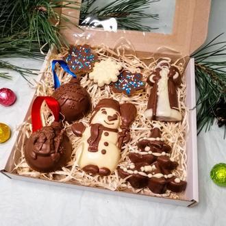 Подарочный набор из шоколадных изделий ручной работы