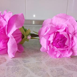 Розы - цветы из гофрированной бумаги и конфет