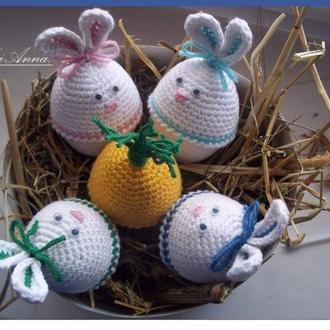 Пасхальные вязаные шапочки зайчики. Декор для пасхальных яиц.