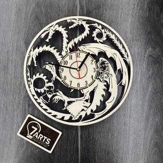 Настенные часы из дерева «Игра Престолов»
