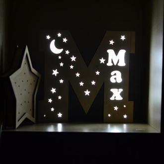 Светильник в форме буквы М - Max
