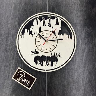 Часы из дерева «Битлз»