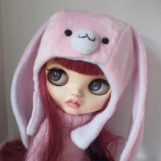 Шапка -зайка для куклы блайз
