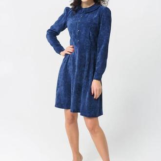 Вельветовое платье темного синего цвета