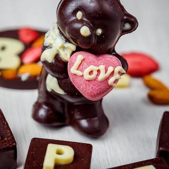 Мишка с сердечком - натуральный шоколад на меду. 140грм.