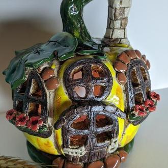 Керамический домик аромалампа тыква. Подсвечник
