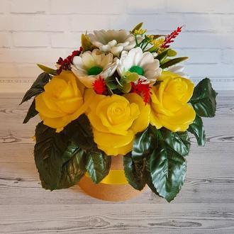 Букет из мыла ручной работы Розы желтые и хризантемы белые.