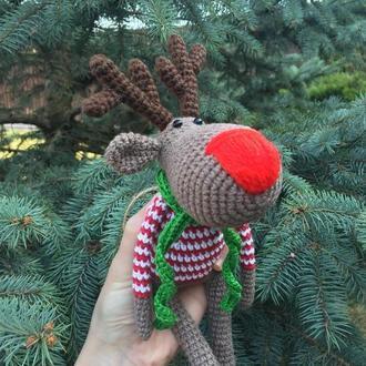Вязаная игрушка олень новогодняя