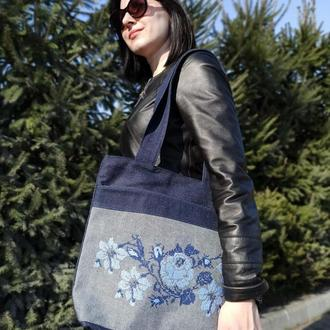 Сумка джинсовая с вышивкой Синие цветы
