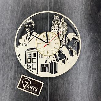 Часы настенные с лазерной гравировкой «Доктор Кто»