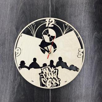Часы из дерева на стену дизайнерские «Wu-Tang Clan»