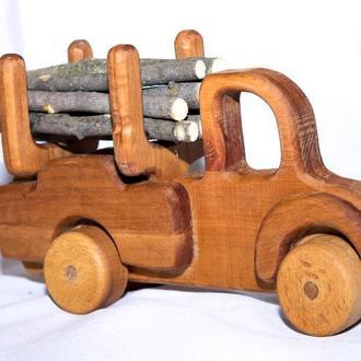 Машина-лесовоз