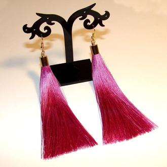Серьги кисточки темно-розовые