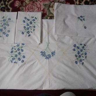 Авторское постельное бельё с элементами вышивки и декоративной строчки