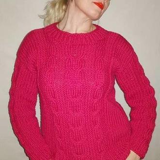 Свитер женский вязаный классический с обьемными косами ярко малиновый цвет, Красно малиновый свитер