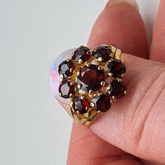Золотое кольцо 333 пробы с гранатом
