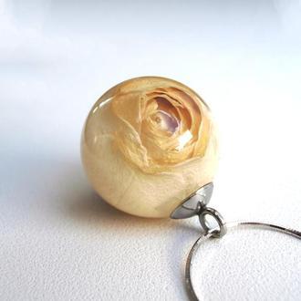 Серебряный кулон с белой розой