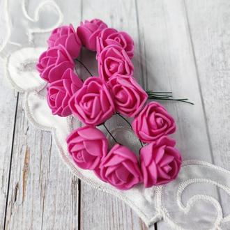 Декоративные розы из фоамирана розовые .12шт