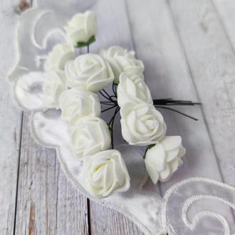 Декоративні троянди з фоамирана айворі .12шт