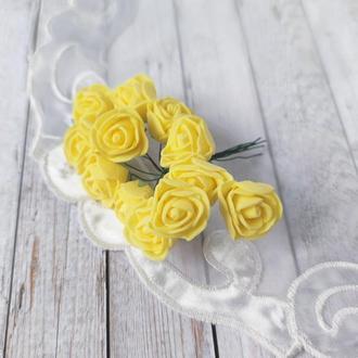 Декоративные розы из фоамирана желтые .12шт