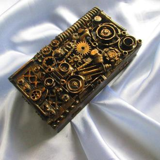 Шкатулки-купюрницы в стиле стимпанк (Steampunk), с имитацией эффекта окислившегося металла,